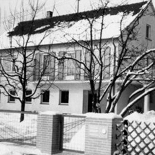 Das Wohnhaus der Familie Lapp in Stuttgart im Winter 1958