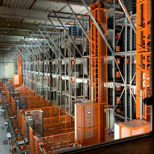 Innenansicht des Hochregallagers der Firma Lapp in Ludwigsburg