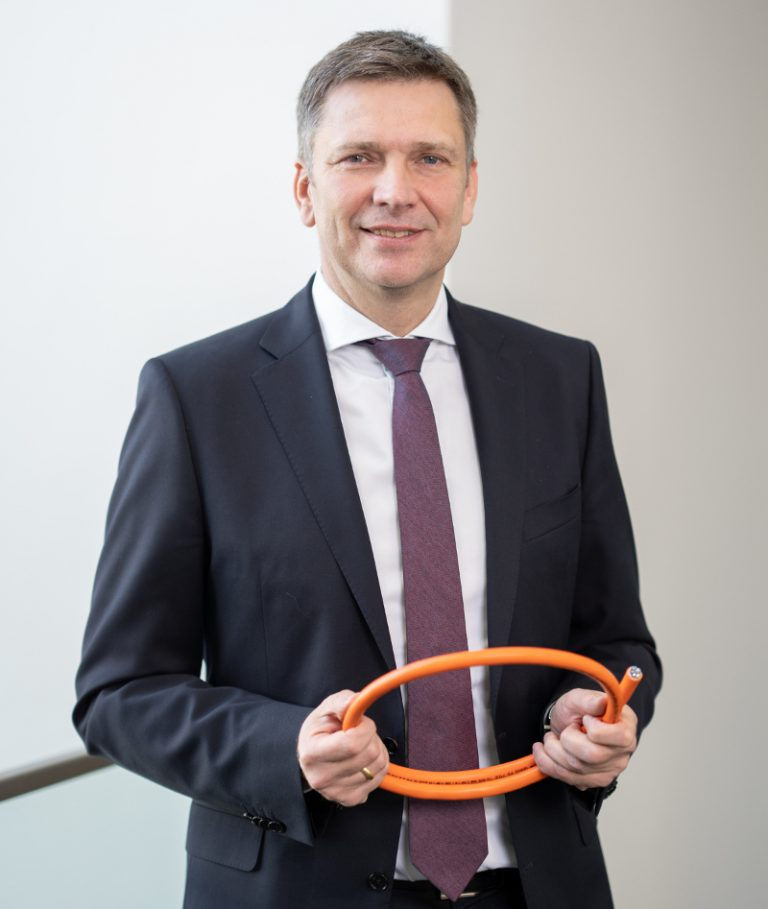 Represents innovation management: Portrait of Georg Stawowy