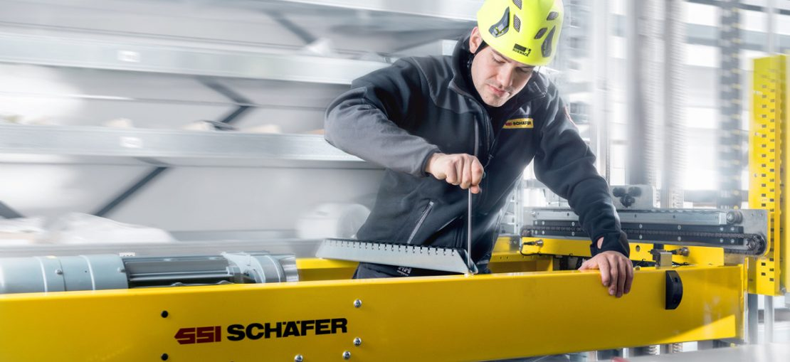 A employee from Schäfer during assembly.