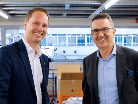 On the picture you can see Matthias Lapp, CEO U.I. Lapp GmbH (left) and Reto Volland, Managing Director Volland AG (right) in front of the LAPP Champion