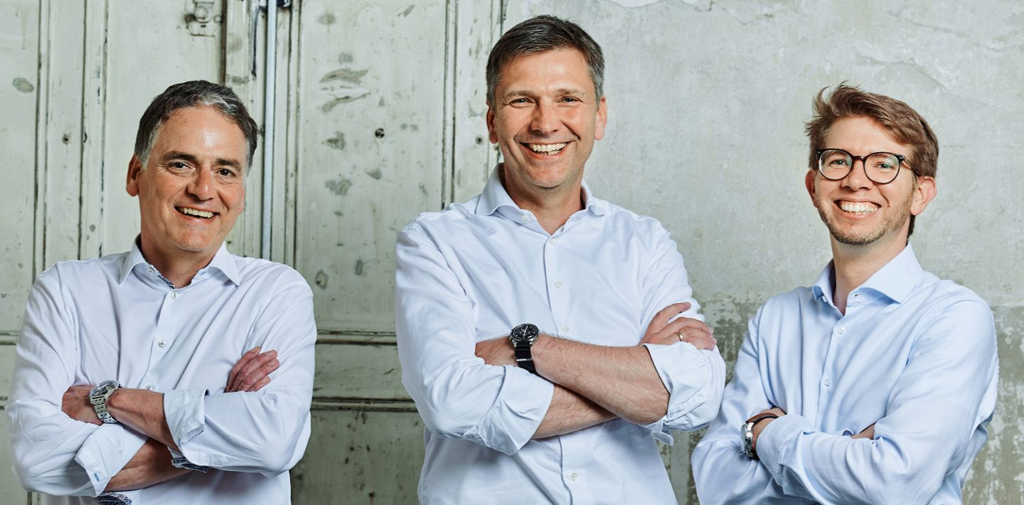 On the picture you can see Guido Ege, Head of Product Management and Development (left); Georg Stawowy, Member of the Board for Innovation and Technology (center); Patrick Olivan, Innovation Manager (right).