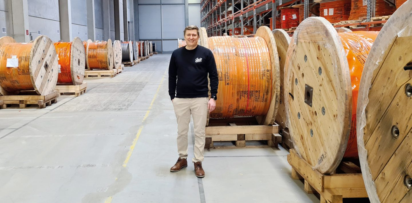 On the picture you can see Johann Zimmer in front of the cable drums by LAPP in the logistics and service center in Ludwigsburg.