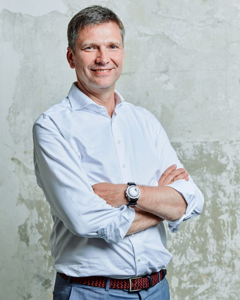 The picture shows a portrait of Georg Stawowy, Member of the Board for Innovation and Technology at Lapp Holding AG.
